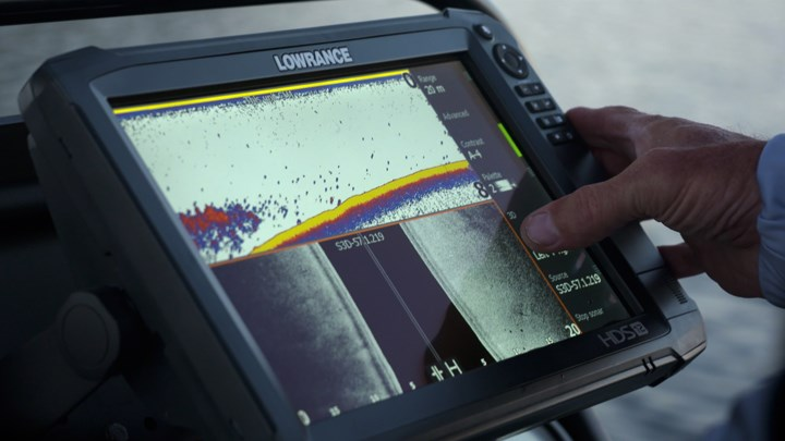 Lowrance_tile_carbon_closeup.jpg